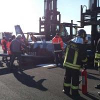 Linate, voli fermi per due ore: aereo privato con il carrello guasto, atterraggio...