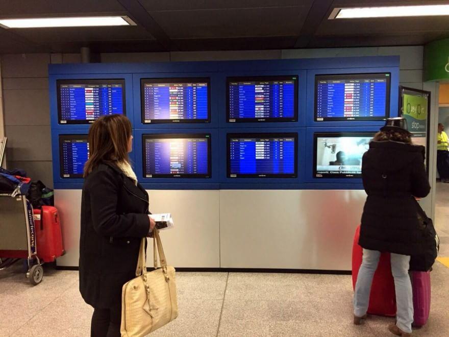 Aereo Privato Linate : Linate atterraggio d emergenza per un aereo privato