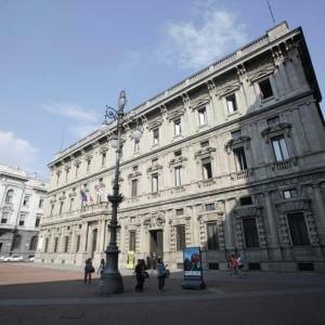 Tangenti, il Comune di Milano cerca informatori (anonimi) fra i suoi dipendenti: denunce online