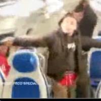 Varese, blitz dei vandali sul treno Milano-Laveno: il video su YouTube, danni ingenti