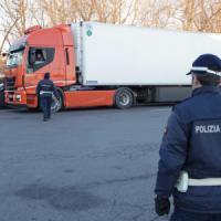 Milano, serrata totale dell'Ortomercato: gli operatori contro il nuovo orario d'inizio