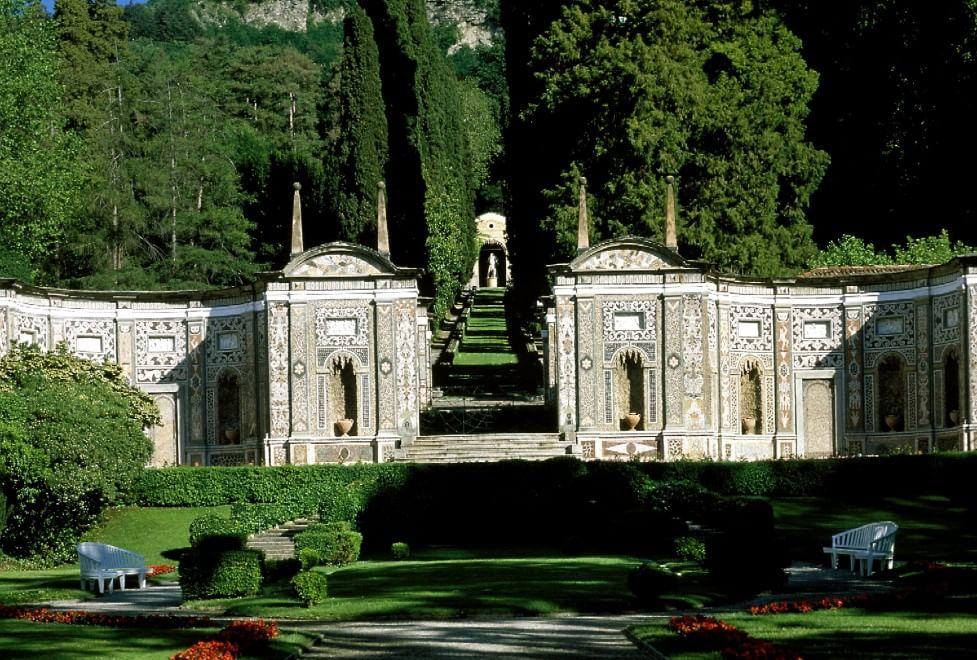 Roseti labirinti e fontanili ecco i giardini pi belli d - Immagini di giardini di villette ...