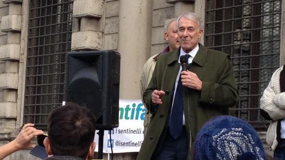 Milano, per le Comunali del 2016 il Pd apre a un'alleanza con i centristi