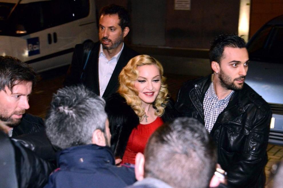 Madonna da Fazio: l'assedio dei fan fuori dagli studi Rai