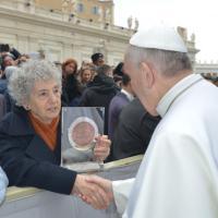 Expo, papa Francesco riceve la moneta ufficiale