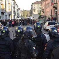 Milano, accusò i poliziotti di aver abortito per le manganellate: denunciata per calunnia