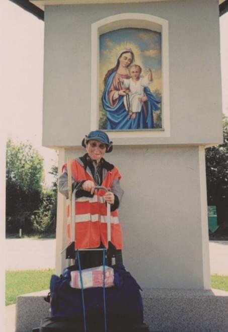 La nonna pellegrina in argentina km a piedi a 91 for 300 piedi quadrati a casa