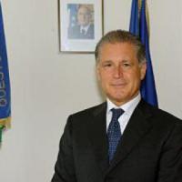 """Bergamo, il questore sotto inchiesta per peculato: """"Favorì l'ex marito di Valeria Marini"""""""