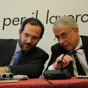 Milano, sondaggio del Pd sui candidati a sindaco per il dopo Pisapia: in testa c'è Ambrosoli