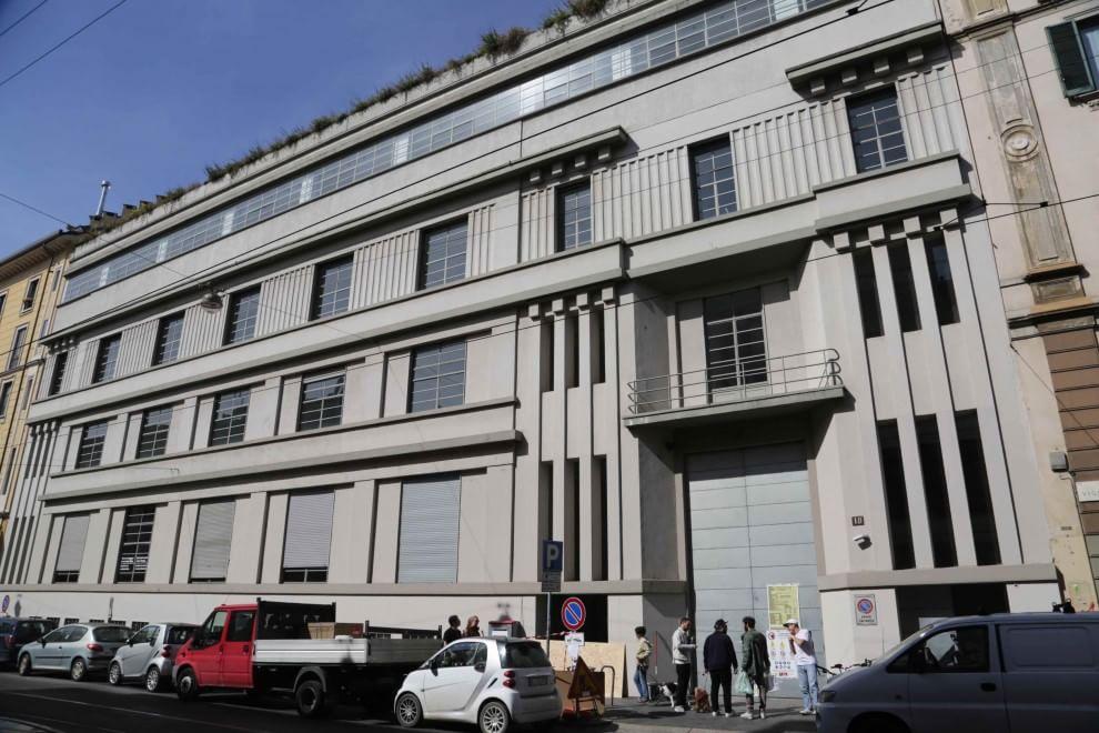 Milano conto alla rovescia per lo store ikea col for Piani di garage con lo spazio del negozio