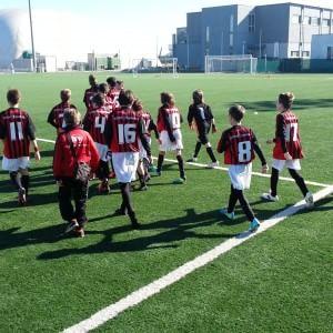 """Cori razzisti contro gli under 10 del Milan. Raiola su Twitter: """"Sono stati i genitori avversari"""""""