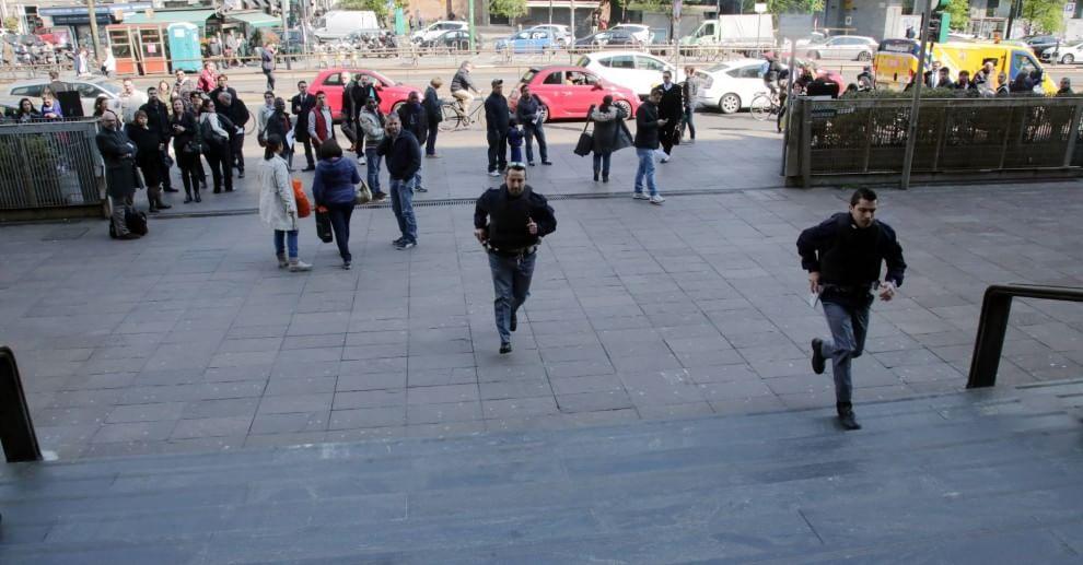 Milano, imputato spara in tribunale e fa una strage: il fotoracconto