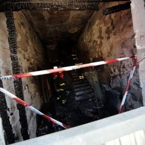 Cerro Maggiore, fuga di gas provoca incendio: muoiono due sorelle. Salvo il fratello