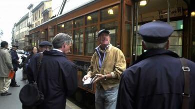 """La Lega vuole i vigilantes armati sui bus """"Controlli sui biglietti e sui documenti"""""""