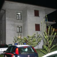 Brescia, uccide la moglie a coltellate e ferisce la figlia che tentava di difenderla:...