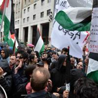 Milano, contestazione al corteo contro la Brigata ebraica