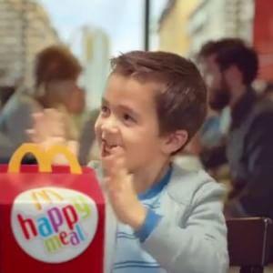 """Expo, la Regione Lombardia alle scuole: """"Portate gli alunni da McDonald's, il gelato è gratis"""""""