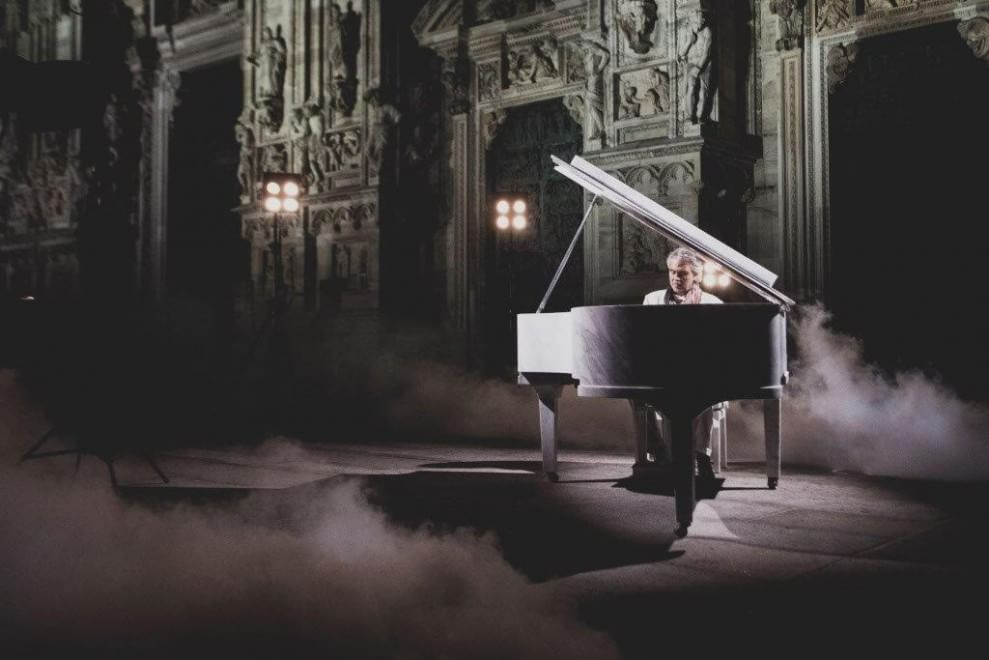 Milano, un pianoforte in marmo per Bocelli in Duomo