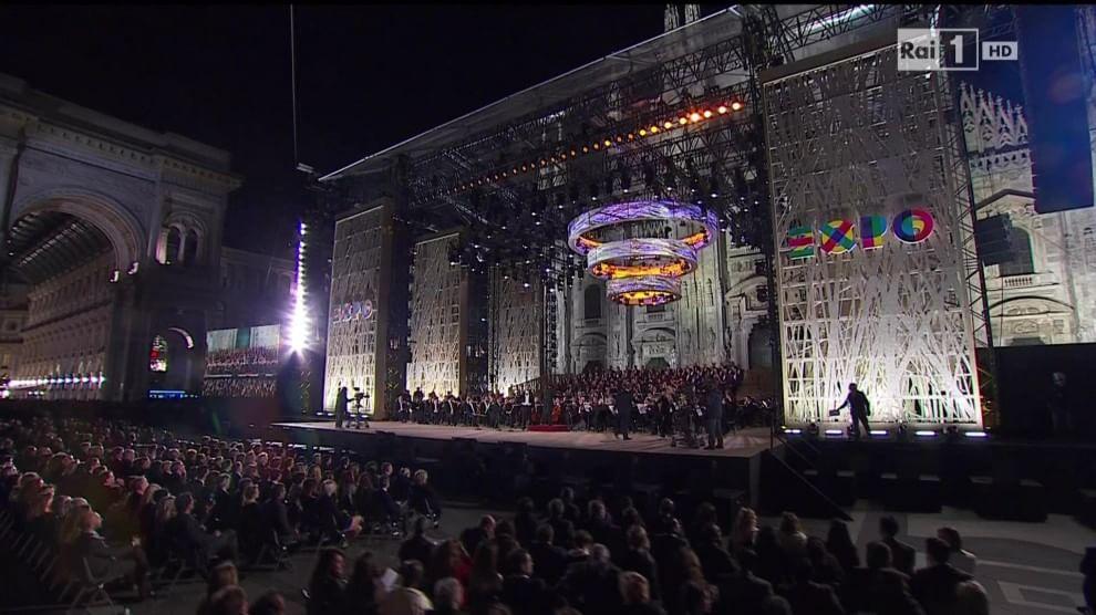 Milano, la grande notte dell'Expo con Andrea Bocelli