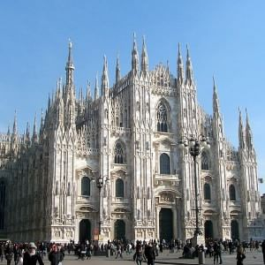 Milano Svolta In Duomo Ora I Turisti Pagano Per Entrare