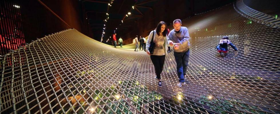 Dalla discoteca tedesca alle luci della Cina, effetto Disneyland tra i padiglioni