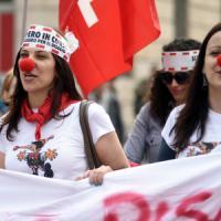 Milano, insegnanti e studenti contro la Buona Scuola: 30mila in piazza. Muri risparmiati