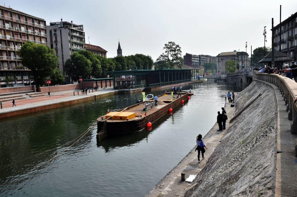 Milano il barcone delle cave torna in darsena dopo 36 for Recedere contratto affitto prima dei sei mesi