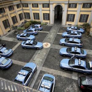 Milano usava le auto della polizia per dare passaggi for Questura di carpi permesso di soggiorno