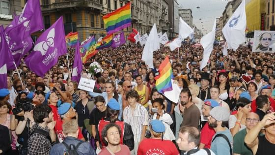 Gay Pride a Milano, gli Usa anticipano la festa a Expo. E la Regione litiga sul patrocinio