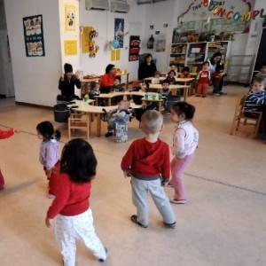 Milano, il Comune cerca 500 maestre ma non le trova: maxiselezione al Forum