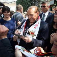 Saronno, Berlusconi incontra le supertifose del Milan club femminile