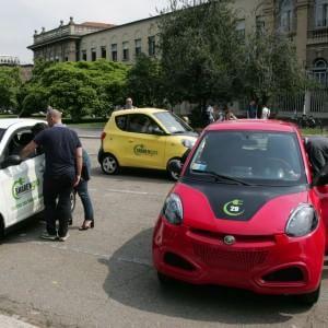 Milano, debutta Share'Ngo: l'auto elettrica a prezzo variabile