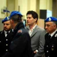 """Aggressioni con l'acido a Milano, il pm: """"Condannate Alexander e Martina a 15 anni"""""""