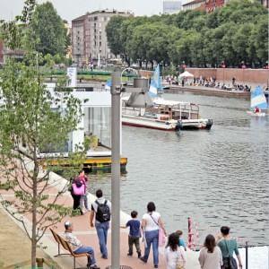 Navigli, Area C larga e verde pubblico a Milano: quattro nuovi referendum