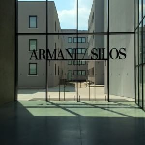 Milano il silos di armani tempio rigoroso tra orgoglio e for Uffici armani milano