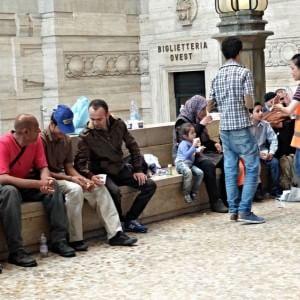 """Milano, il Comune sui profughi: """"Qui non c'è più posto, assisteremo solo i bambini"""""""