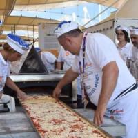 Expo, è la giornata della pizza. Partita la raccolta di firme: