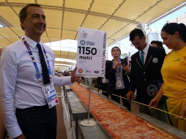 Expo, 1.500 metri per 5 tonnellate: è la pizza più grande del mondo