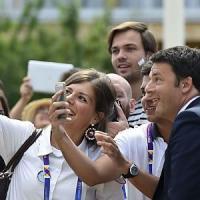 Expo, è il giorno della Francia: Renzi abbraccia Hollande dopo le polemiche