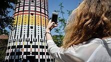 Torre Arcobaleno    video    restaurata: le 100mila piastrelle tirate a lucido