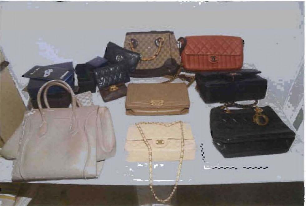 Gioielli, borse e contanti: il tesoro scoperto a casa di Ruby