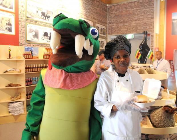 La mascotte dello Zimbabwe e lo chef, Expo - Milano (milano.repubblica.it)