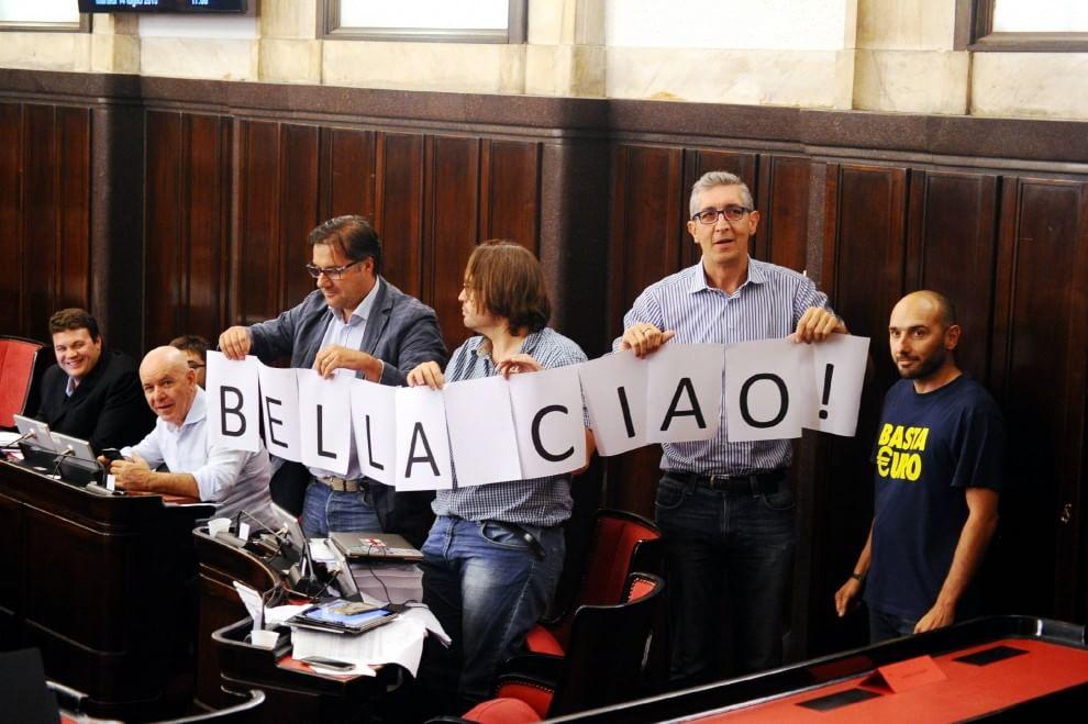Milano, la Lega saluta il vicesindaco De Cesaris con 'bella ciao'