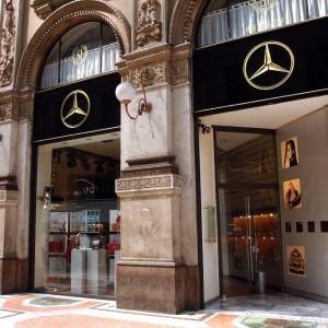 Milano, Cracco fa shopping in Galleria: un milione di euro per 5 piani a 'due stelle'