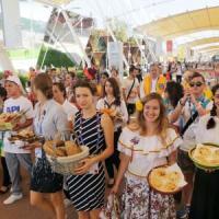 Expo celebra la giornata del pane: dalla pita alla baguette sfilano i prodotti