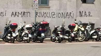 Foto  Strage di Bologna, la scritta pro 'Nar'  alla vigilia della commemorazione