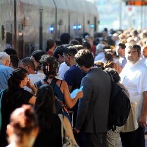 Pendolari Trenord, la locomotiva si guasta: ritardi sulla Milano-Lecco-Sondrio
