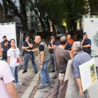 Milano, tensione in via Mac Mahon: residenti contro il taglio degli alberi