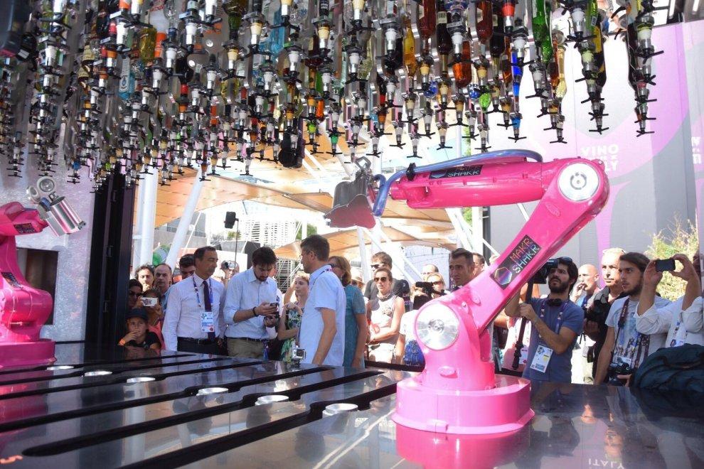 Expo, il barman è un robot: ecco i cocktail del futuro