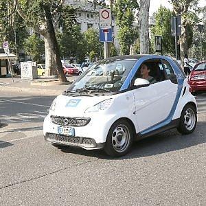 Milano, consumatori all'attacco: esposto contro Car2go sulla stangata